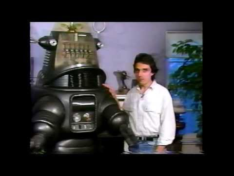 Forry Ackerman duces William Malone and Robby the Robot from Forbidden Planet