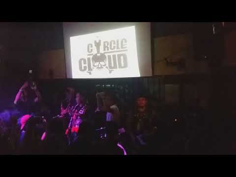 Ku Kibarkan Bendera Persija - Circle Cloud Live in Borneo Beer House