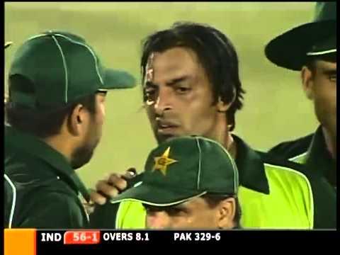 Sachin tendulkar's best inning in ODIs First ODI Hundred by Indian in Pakistan