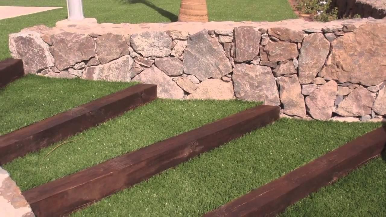 Detalles y acabados en los jardines dise ados por - Piedra para jardineria ...