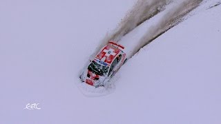 見えるのは雪雪雪!コースを見失ったラリーカー、さてどうした?