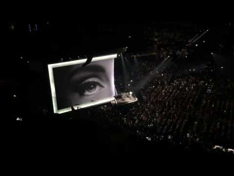 Hello - Adele - Asking Phoenix Audience to Sing August 16, 2016