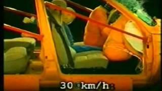 Как избежать смертельных ловушек в автомобиле(Как избежать смертельных ловушек в автомобиле. Правильное использование ремней безопасности, подушек..., 2010-10-06T15:32:18.000Z)