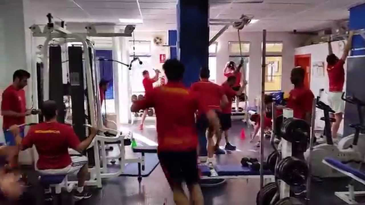 Circuito Gimnasio : Pruebas fisicas bomberos circuito en gimnasio youtube