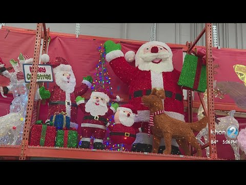 Stores looking to hire holiday employees as low unemployment continues