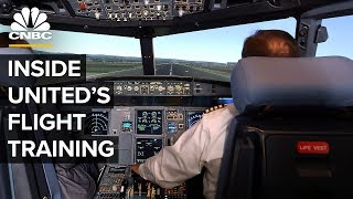 What It Takes To Become A Pilot — inside United's Simulator