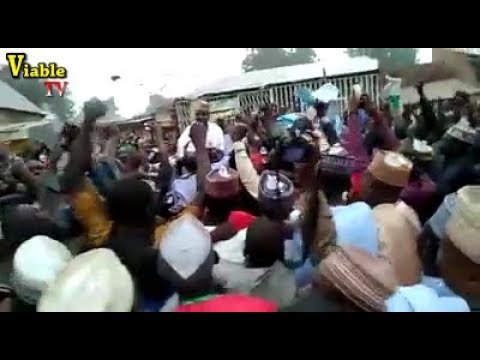2019 Polls : Massive Crowd As APC Supporters Shut Down Sokoto For Wamakko