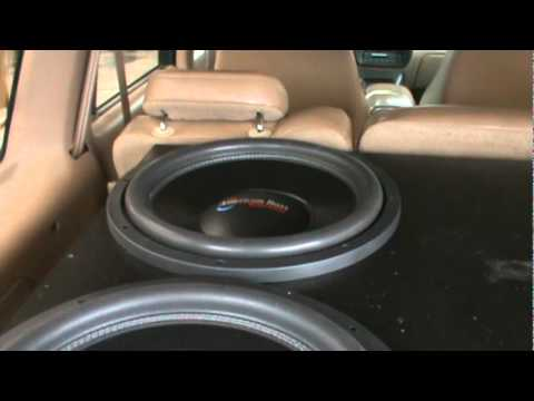 4 american bass xfl 15s and 2 3 000 watt audiopipe amps