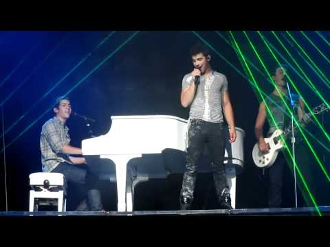 Fly With Me - Jonas Brothers (Hartford)