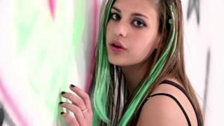 Exteriores de 15 Mica - Smile - Avril Lavigne