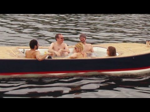 see seattle in a 39 hot tub boat 39 youtube. Black Bedroom Furniture Sets. Home Design Ideas