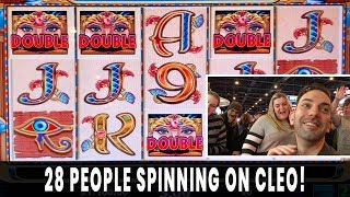 💸 28 PERSON GROUP PULL 😱$5600 on HIGH LIMIT CLEOPATRA 💵 at Ho-Chunk Gaming Madison #ad