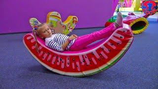 Развлекательный центр для Детей с Батутами, Ярослава потеряла Пупса, Fun Indoor Playground for Kids