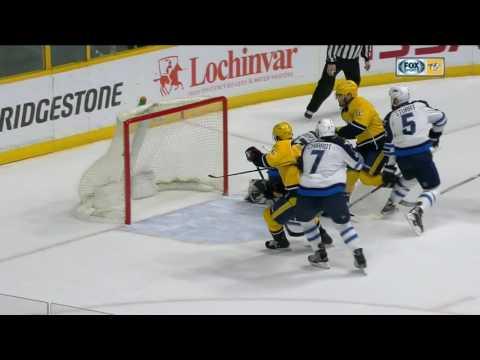Goal & a fight in wild final seconds of Predators vs Jets first period