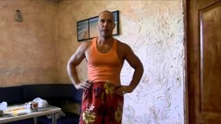 как накачать плечи дома и турник 6 упражнений Тамир 1(Видео-тренинг по воркауту от Тамира Шейха. Это фитнес движение, зародившееся на уличных спортивных площадк..., 2015-09-17T20:17:18.000Z)