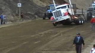 Tire de Tracteur et Camions de Stoke 2010 Beau Wheelie!!!!