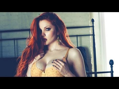 ◙ Photo Set with Playboy Coed Kinsey Elizabeth