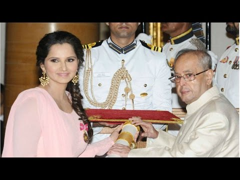 Sania Mirza Awarded Padma Award by President Pranab Mukherjee | Padma Awards 2016 | Mango News