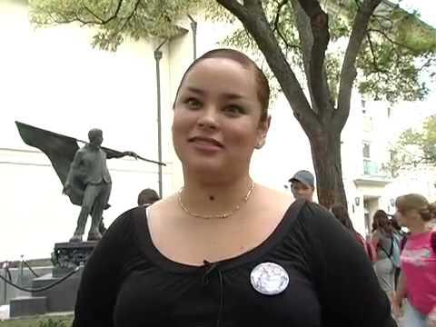 Cesar Chavez statue unveiled on UT campus