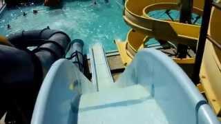Съезд с горки в аквапарке в Адлере(В аквапарке в Адлере., 2015-08-24T17:27:49.000Z)