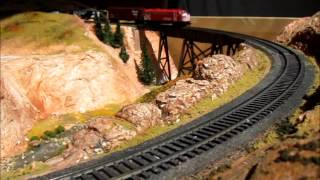 N Scale Coffee Table Model Railroad - Cp Rail Intermountain Fp9a