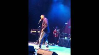 """The Roots perform """"Walk Alone"""" Live"""