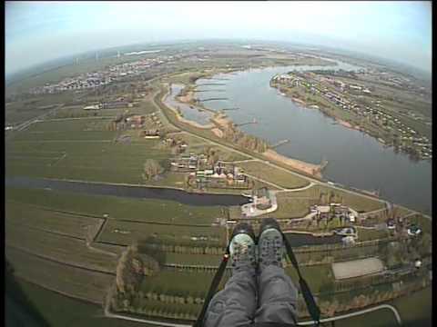 Paragliding tow launched flight @ Lopik (Guido Louman, April 24 2010)
