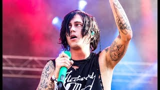 Video Sleeping With Sirens Receives Threatening Letter And Cancels Show download MP3, 3GP, MP4, WEBM, AVI, FLV September 2017