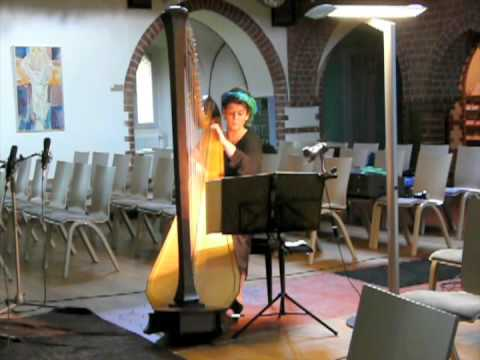 "Xenia Narati - ""Walzer für Harfe allein"""