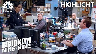 amy-tries-to-work-some-tidying-magic-brooklyn-nine-nine-episode-highlight