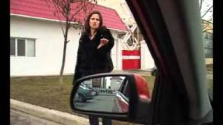 Уроки вождения   Инструктор Женщина Бордюр