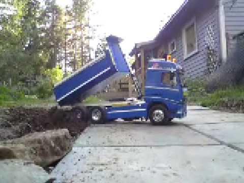 rc volvo dump truck - YouTube