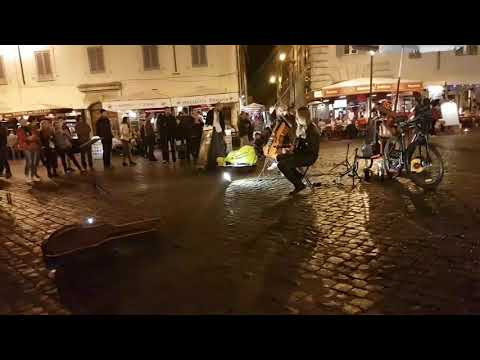 Amazing street performers in Rome