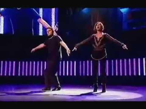 Natalie Imbruglia & Johann Lippowitz Perform The Torn Mime Live For The Secret Policeman's Ball 2006