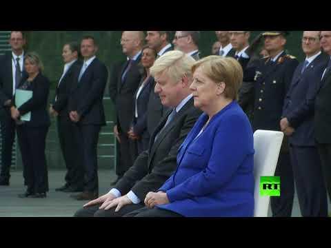 شاهد.. جونسون يزور ألمانيا وميركل تستقبله جالسة  - نشر قبل 2 ساعة