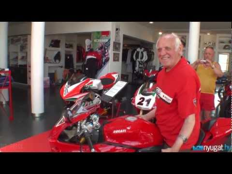 A 85 éves Bálint Mátyás új Ducati 1199 Panigale S motorja