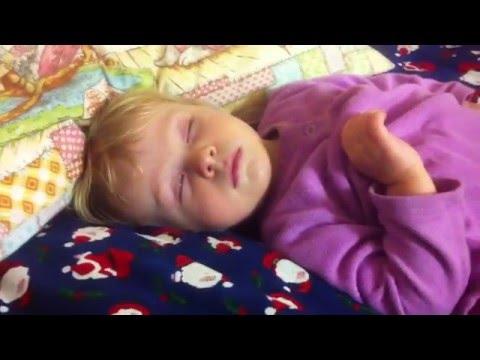 Как быстро уложить ребенка спать за 1 минуту. (Волшебный голос!)