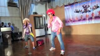 माईकल चलाउँछ साईकल - Nepali Comedy Dance