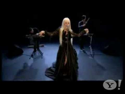 Kerli-Walking On Air-Love Is Dead(Yahoo's Who's Next)
