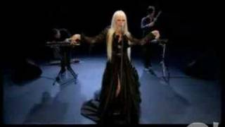 Kerli-Walking On Air-Love Is Dead(Yahoo