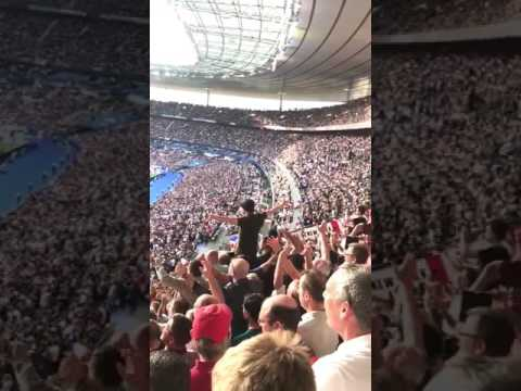 """England Fans Singing """"Don't Look Back In Anger"""", Ahead Of Kick Off Tonight. 👏"""