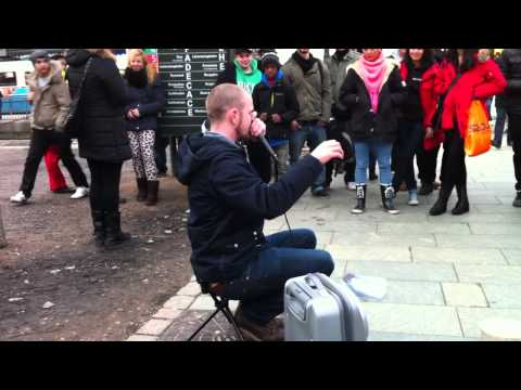Dave Crowe Beatbox in Sweden Gothenburg Streets Part 2