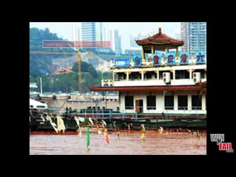 Chinese Yangtze River Runs Bright Red Blood (CRAZY & WEIRD)