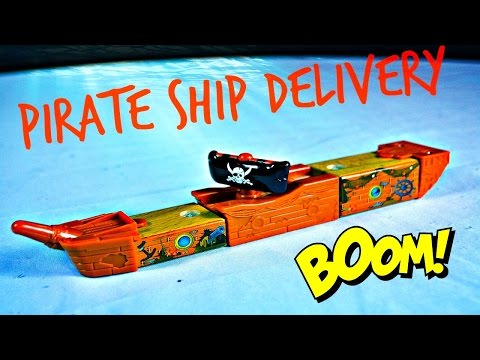 Thomas The Train - PIRATE SHIP DELIVERY