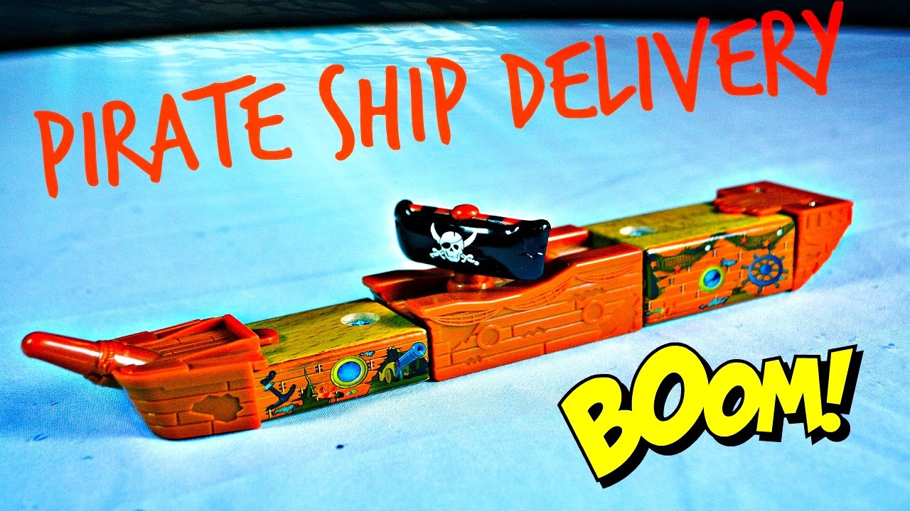 Thomas The Train - PIRATE SHIP DELIVERY - YouTube