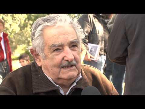 Fiesta Popular en Artigas | Entrevista a José Mujica (Segunda parte)