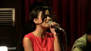 Eva Celia - Santa Claus Is Coming To Town @ Mostly Jazz 21/12/13 [HD]