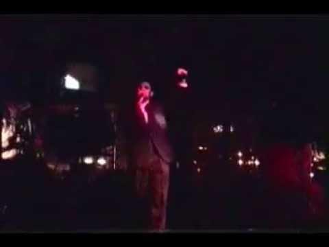 Dominic Sinclair's (AKA Peter D'Angelo) karaoke applause @ The Regatta (12/1997)