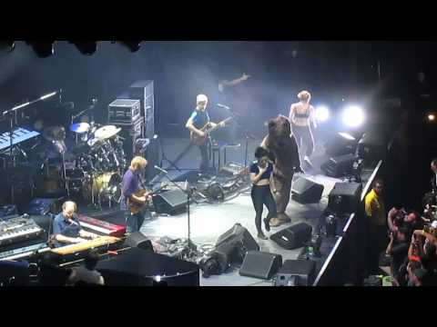 Phish - 10/31/13 Wombat Dance Routine (Partial)