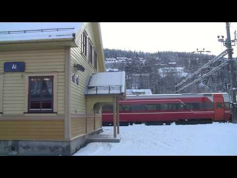 Train travel Norway ~ Bergensbanen in winter (1)